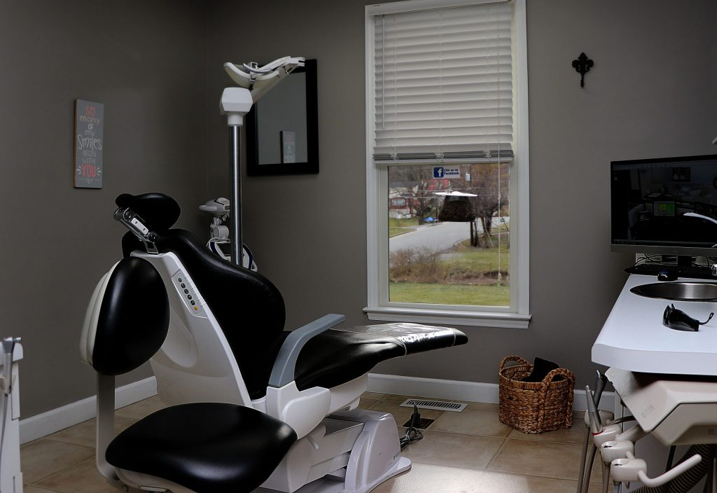 wytheville-dental-group-inside-dental-room-2